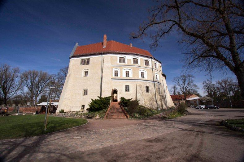 Wasserburg Burg Roßlau (2)