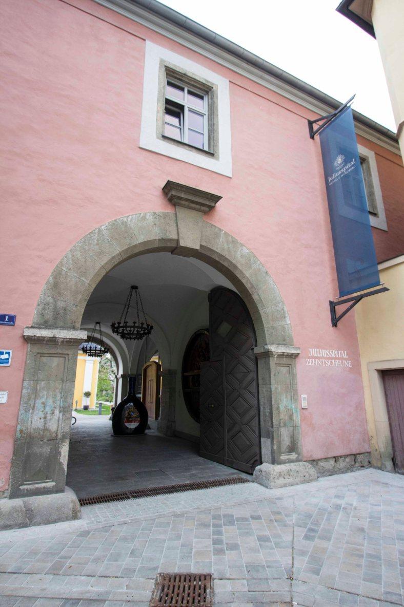 Johannisspital Wein