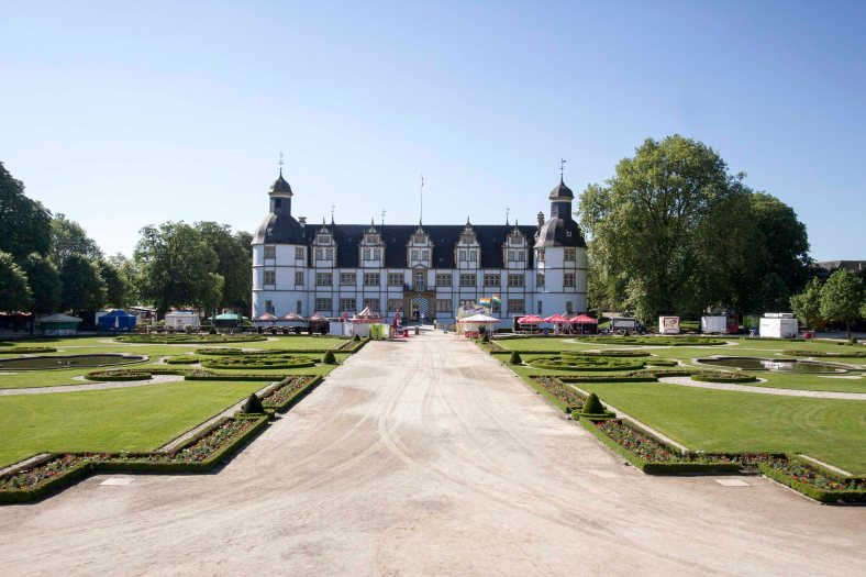 Schloss Neuhaus 3