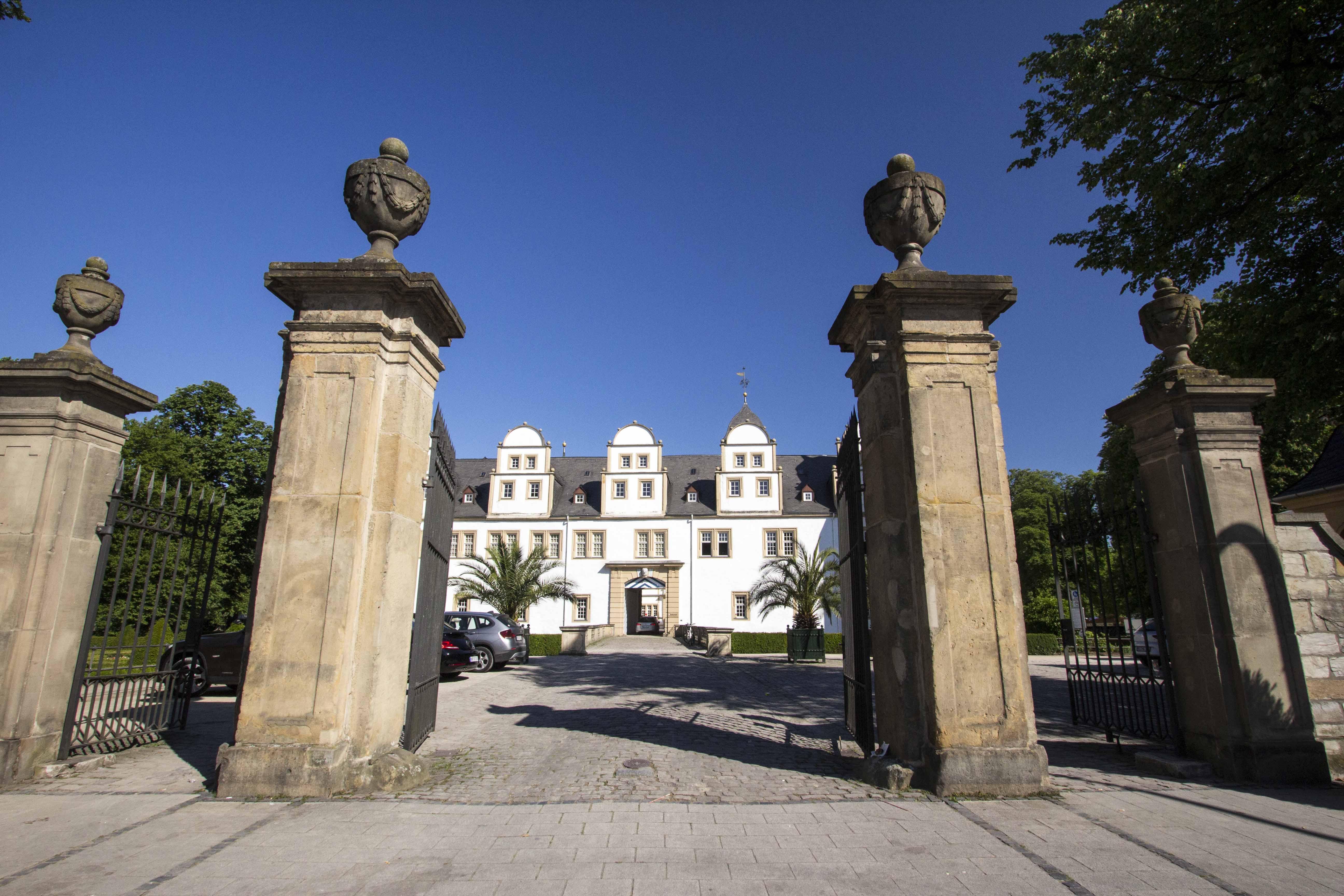 Schloss Neuhaus 6