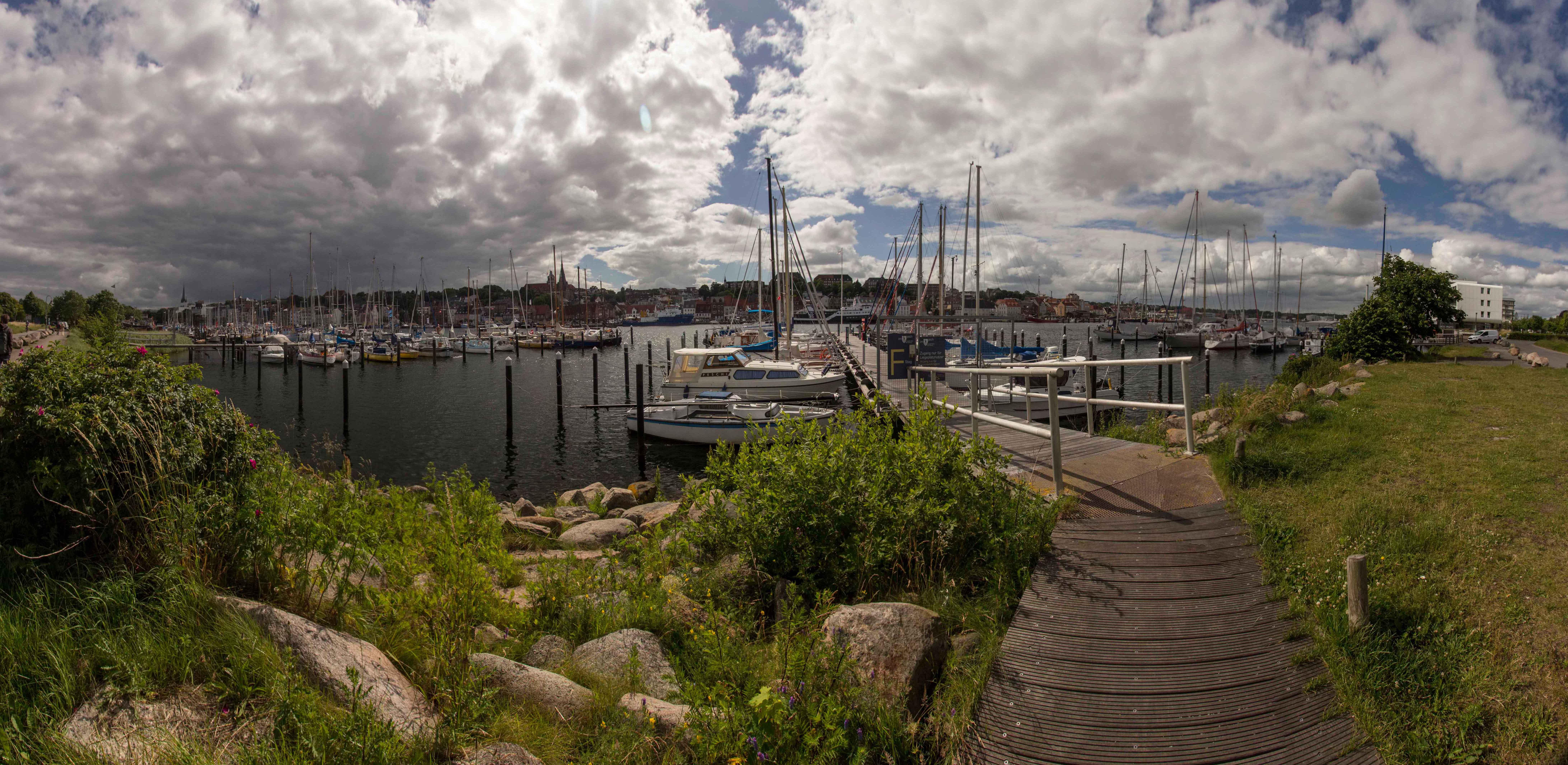 Panorama vom Yachthafen
